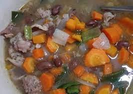 Akan lebih mantap bila anda menyajikan hidangan ini bersama dengan sepiring nasi dalam. Resep Sup Kacang Merah Enak Dan Sederhana