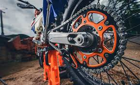 2018 ktm xc 300. brilliant 300 the complete list of upgrades for the 2018 ktm 300 xcw six days are in ktm xc r