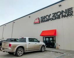since opening its doors in 2017 sky zone troline park has weled thousands of customers