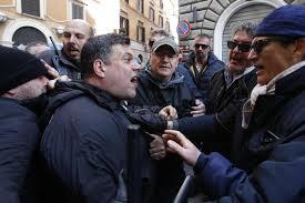 Truffa da 1,3 milioni con il cibo per celiaci: leader di Forza Nuova Giuliano  Castellino in manette