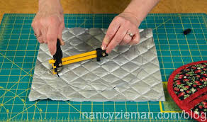 Sew a Pot Holder in 60 Minutes | Nancy zieman, Potholders and Blog & How to Sew a Quilted Pot Holder with Donna Fenske and Nancy Zieman | Nancy  Zieman Adamdwight.com