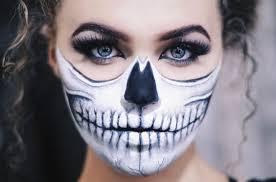 half skull makeup más