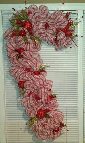 Candy Cane Wreath Craft For January Meeting  Community Candy Cane Wreath Christmas Craft