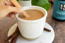 The result is a cup of coffee bursting with 450 calories and 50 grams of fat that asprey claims promotes weight loss, curbs the tendency to overeat, and enhances cognitive functions. Bulletproof Keto Coffee Recipe With Collagen Powder Perfect Keto