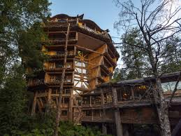 Exotic Tree Houses The Worlds Most Spectacular Treehouses Bookingcom