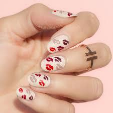 10 Easy Valentine's Day Nail Art Designs - Cute Valentine's Day ...