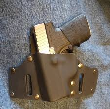 picture of leather kydex holster