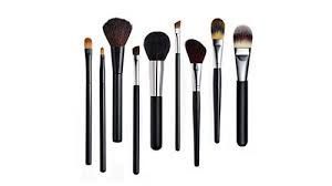 clean your make up brushes mix 1 tablespoon of apple cider vinegar 1 2 teaspoon dish soap and 1 cup hot water in a cup place your brushes in the mixture