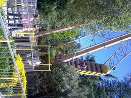 bonfante gardens. bila ingin permainan yang sedikit menantang, pengunjung bisa mencoba timber twister coaster, quicksilver express mine mushroom swing, bonfante gardens