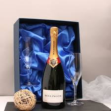 bollinger chagne and chagne gles gift set