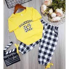 Set bộ áo thun tay ngắn quần dài sọc caro thời trang cho bé gái (20-35kg)