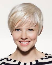 short hairstyles for very thin hair is known for her gorgeous red hair color this star