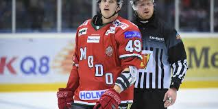 Erik gustafsson (born on december 15, 1988 in sundsvall) is a swedish professional ice hockey defenceman who plays with the luleå hf of the shl. Trio Gor Comeback Sa Staller Modo Och Vastervik Upp