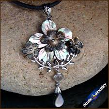 natural large mother of pearl sea shell water carving gems beads pendant hand carved flower vintage