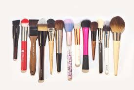 Какую <b>кисть для макияжа</b> выбрать?