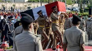 شاهد: جنازة عسكرية لجيهان السادات زوجة الرئيس المصري الأسبق أنور السادات