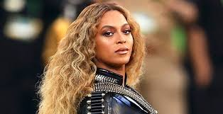 10 famous singers that lip sync