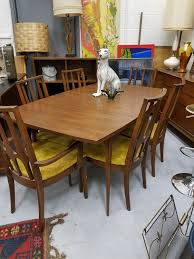 Broyhill Brasilia Dining Set With 6 Chairs Apartment Dining