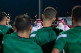 المسحل يقدم التعازي في وفاة الإعلامي الأستاذ طارق بن طالب - الاتحاد السعودي  لكرة القدم