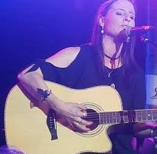 Robyn McDermott - Home | Facebook