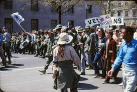 file vietnam war protest in washington dc jpg file vietnam war protest in washington dc 1971 jpg