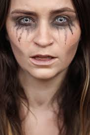the gaunt ghoul although this can be the base makeup for so many other looks add fangs and you have a vire add some bandage wrap and you
