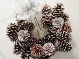 Pine Cone Christmas Decorations Diy Glitter Pinecone Christmas Wreath Youtube