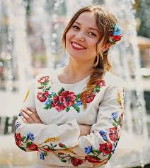 Russian ukrainian woman top
