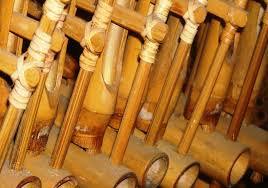 Sehingga banyak dari secara perlahan melupakan alat musik khas indonesia yang seharusnya di budayakan dari generasi ke generasi. 7 Alat Musik Tradisional Indonesia Yang Wajib Diketahui Anak Anak Portal Jember