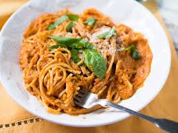 super creamy tomato and ricotta pasta