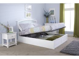 Como Wooden Ottoman Storage Bed Oak or White 4ft6 Double or 5ft