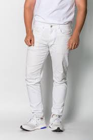 how to get a stain out of white jeans in under 10 minutes