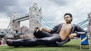 Jeff Goldblum Statue Appears In London For Jurassic Park