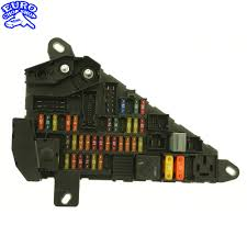 power fuse panel bmw e60 e63 e64 645ci 525i 530i 545i 2004 2005 power fuse panel bmw e60 e63 e64 645ci 525i 530i 545i 2004 2005 04