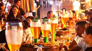 Coronavirus: Chinese beer lovers leave face masks, worries behind as  festival opens - World News