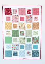 Fast & Free Five & Dime Quilt Tutorial & Here is the fast and easy, Five & Dime Quilt! This quilt would work well  with lots of fabrics and could easily be a scrappy, colorful quilt. Adamdwight.com