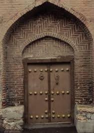 file an old door in maragha jpg