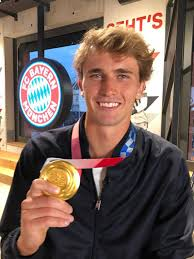 Alexander zverev played relentlessly powerful, consistent tennis to overwhelm karen khachanov in the men's singles gold medal match at the tokyo 2020. Olympic Champion Zverev Visits Fcb A Huge Occasion For Me
