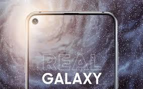 """Chào mừng kỷ nguyên mới của smartphone màn hình """"đục lỗ"""""""