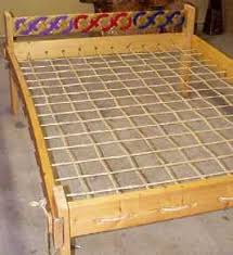Surratt House Museum: Rope bed in Guest Room of Surratt House.