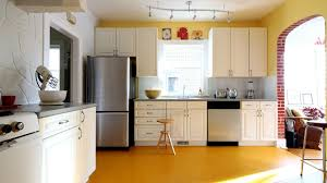 Yellow Wall Kitchen Simple Kitchen Yellow Floor 3840x2160 Ultra Hd Wallpaper