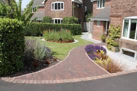 contemporary country front garden