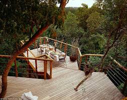 Tree House Hotel Pool Time To Eat Guests Dine In A Glasswalled Decorating