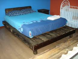 ... Recycled Pallet Bed ...