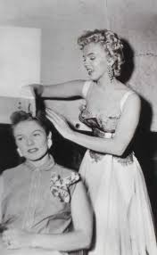 Marilyn Monroe Hairstyle Marilyn Monroe Styling Someone Elses Hair For A Change A Salon
