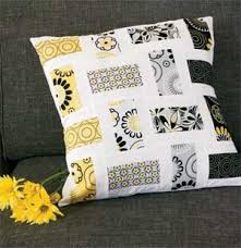Crazy for Daisies: FREE Quick Sophisticated Throw Pillow Pattern ... & Crazy for Daisies: FREE Quick Sophisticated Throw Pillow Pattern Adamdwight.com
