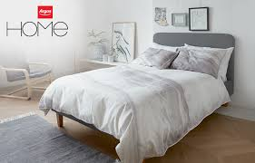 a marble print white and grey bedding set