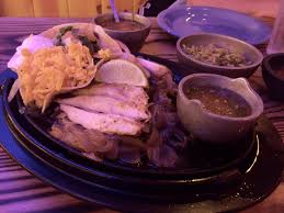 tried el tiempo tonight and had the en fajitas in my opinion not as good as pappasito i need to try some other choices