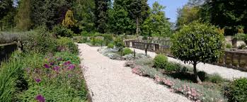 the gardens of easton lodge are an idyllic haven historic england grade ii listed they have been partially red to their former glory by a team of
