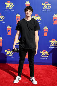 He is known for his roles in the final three seasons of the television series the fosters, the disney channel film how to build a better boy (2014), and the netflix romantic comedy films to all the boys i've loved before. Noah Centineo And Lana Condor Mtv Movie And Tv Awards 2019 Popsugar Celebrity